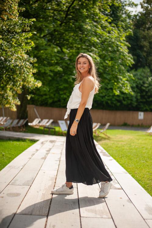 longue jupe noire de Les Bourgeoises sur SCANDALOOK