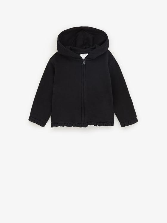 veste en molleton avec volant sur le bas de Zara sur SCANDALOOK
