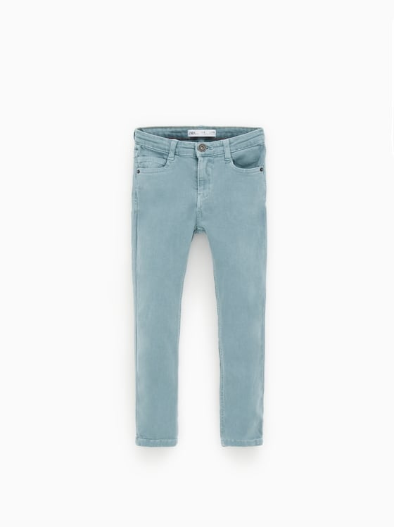 jean skinny en serge basique de Zara sur SCANDALOOK