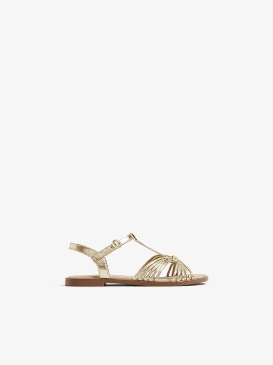 sandales metallisees a brides de Zara sur SCANDALOOK