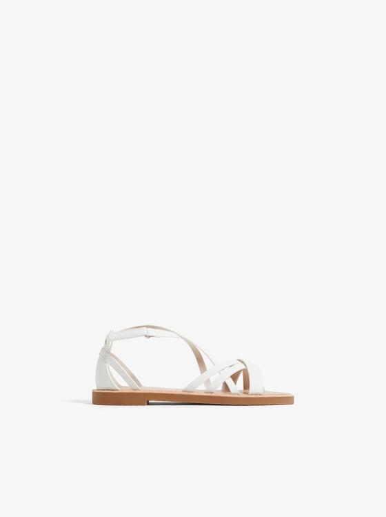 sandales a brides croisees de Zara sur SCANDALOOK