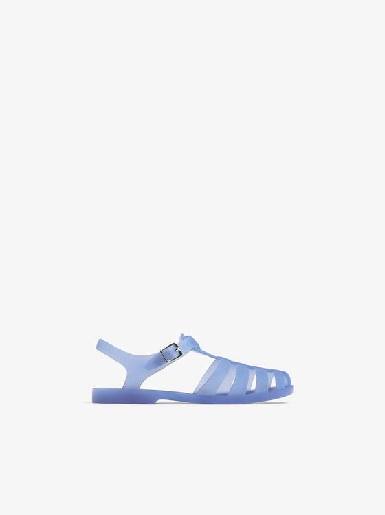 sandales de plage monochromes de Zara sur SCANDALOOK