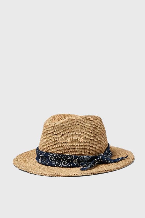 chapeau avec bandana de Zara sur SCANDALOOK