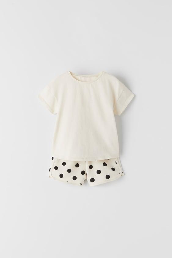 t-shirt a globes appliques de Zara sur SCANDALOOK