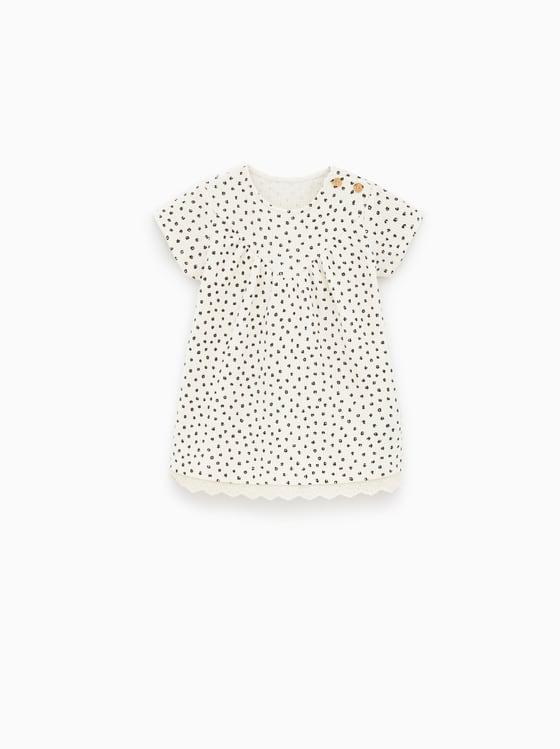 robe a pois et broderie suisse. de Zara sur SCANDALOOK