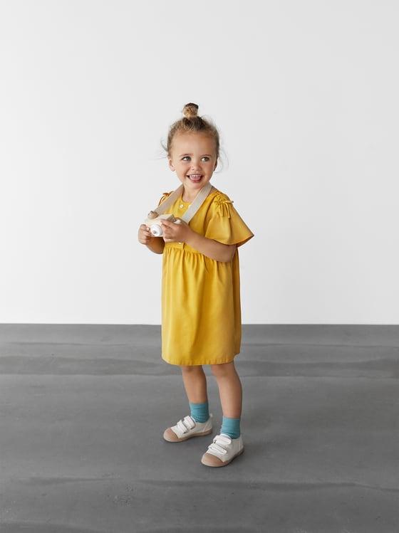 robe fluide a boutons de Zara sur SCANDALOOK