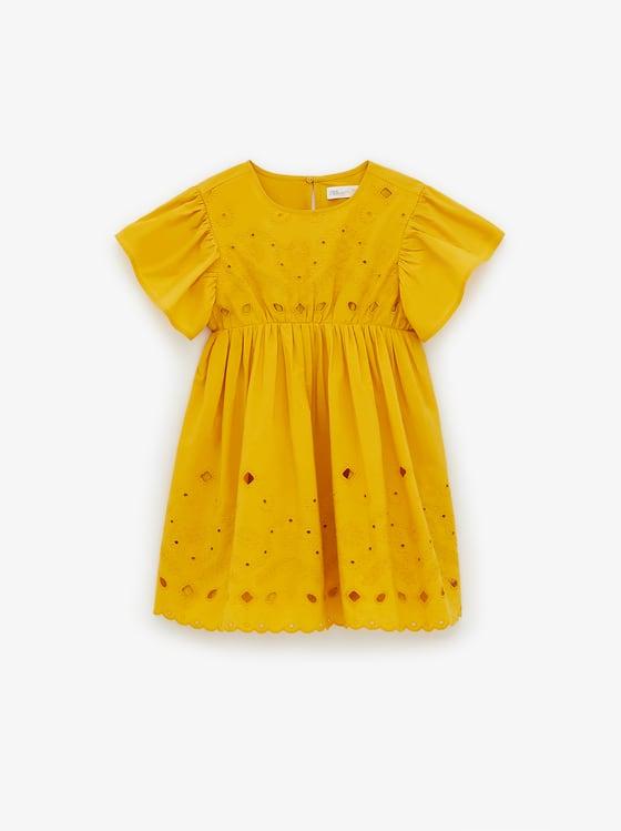robe brodee de Zara sur SCANDALOOK