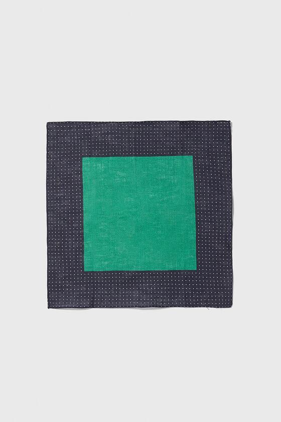 mouchoir de poche avec lignes de pois de Zara sur SCANDALOOK